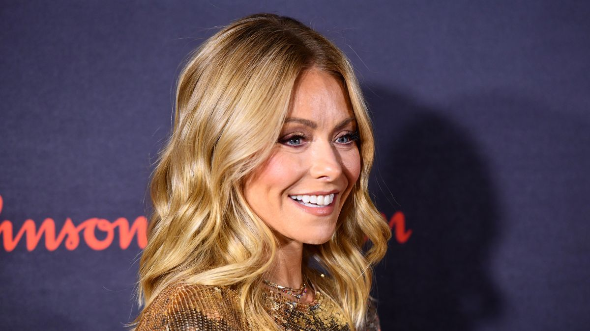 Kelly Ripa shares her go-to self tan product that doesn't stain sheets