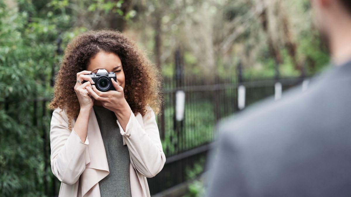 Best Mirrorless Camera For Beginners   Budget Options For New Users Techradar