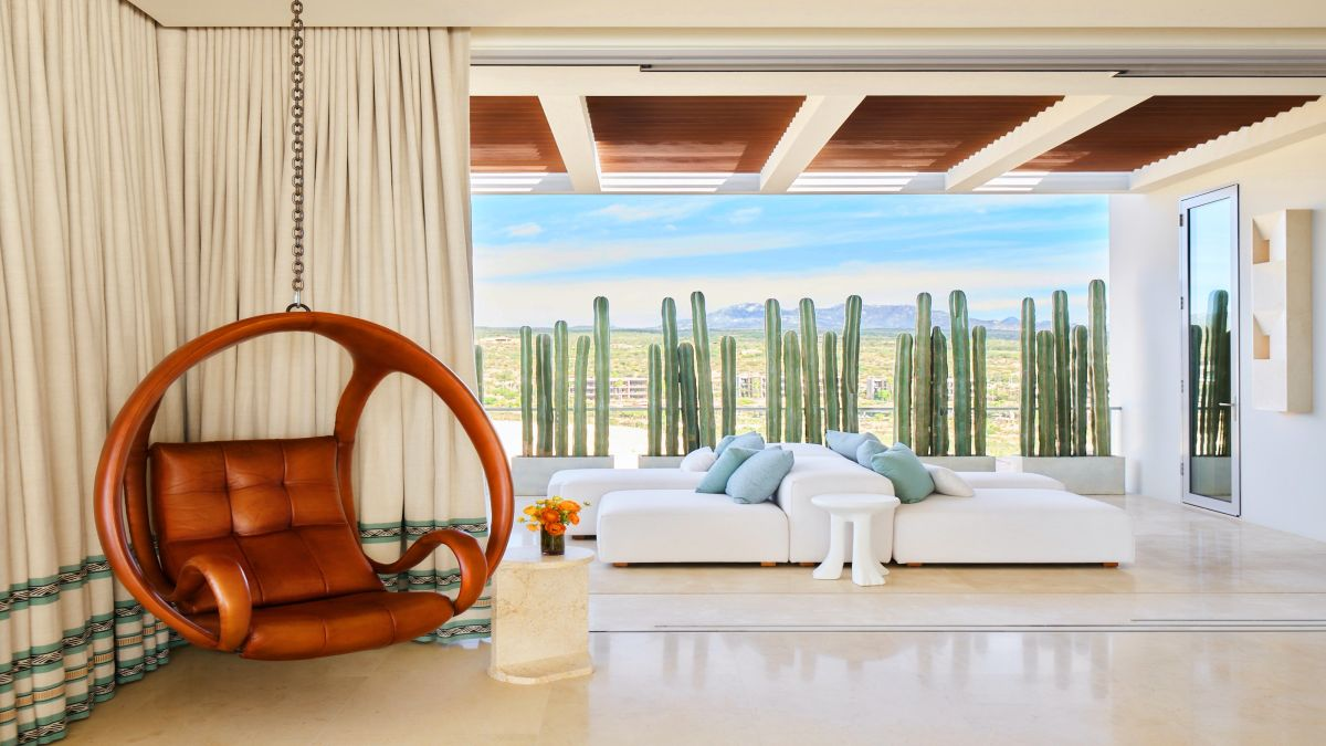 This luxurious but laid back Mexican villa was inspired by the colors of the ocean and desert surrounding it