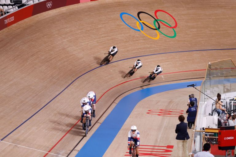 Germany almost catching Great Britain in the Olympic team pursuit final