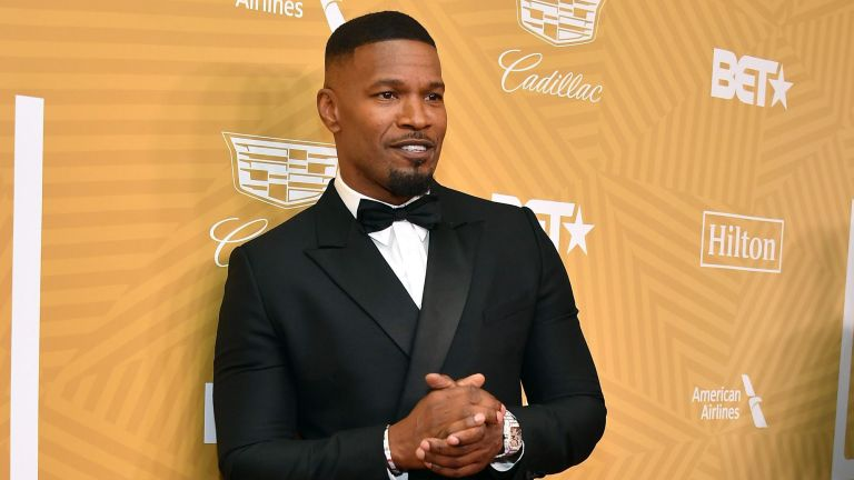 Jamie Foxx poses for the camera at an event