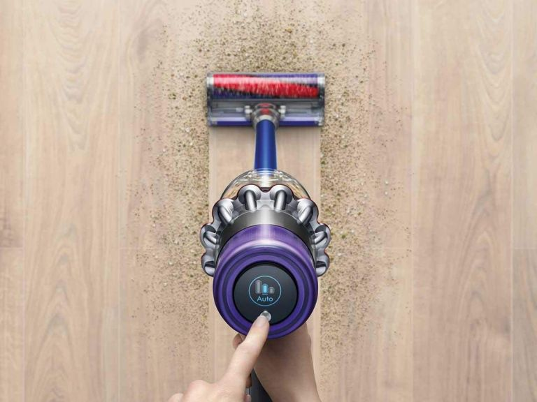 Dyson V11: vacuum cleaner in action