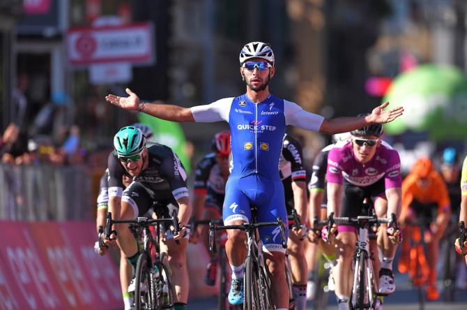 Fernando Gaviria wins stage 5 of the Giro d'Italia.