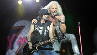 Twisted Sister joined by Phil Campbell