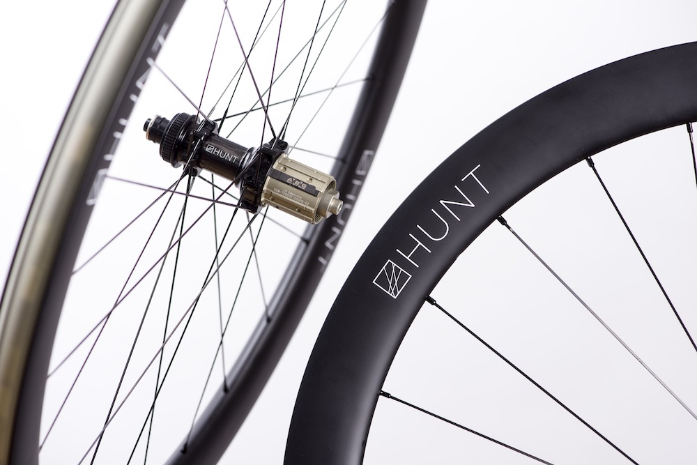 84f4ef990b6 Hunt s disc brake carbon clinchers include this 50mm profile weighing 1438g