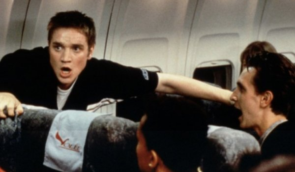 Devin Sawa on the airplane in Final Destination