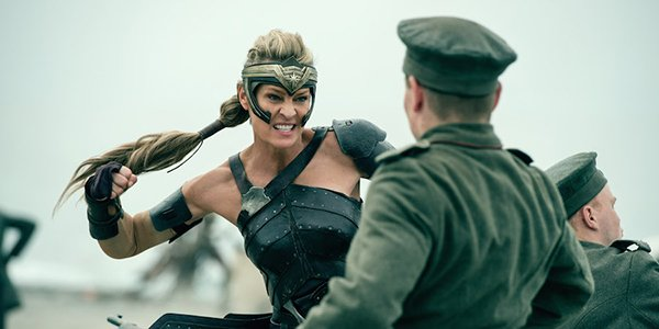 Antiope punching a German soldier