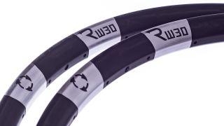 Revel RM30 carbon wheels