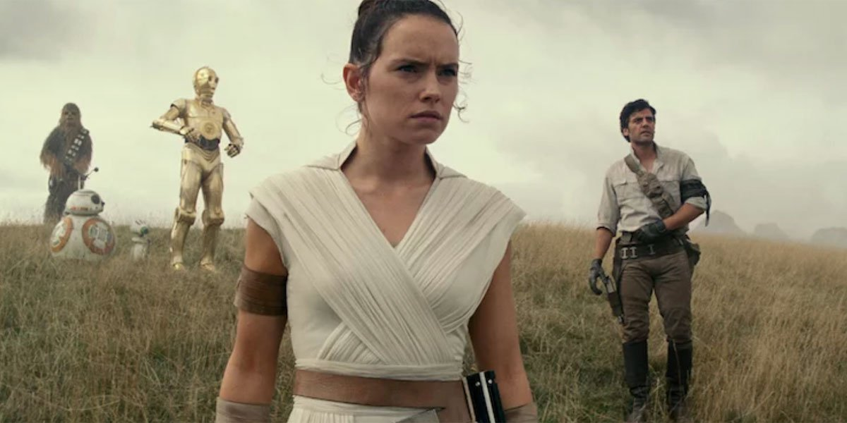 Rey in official Star Wars: The Rise of Skywalker image