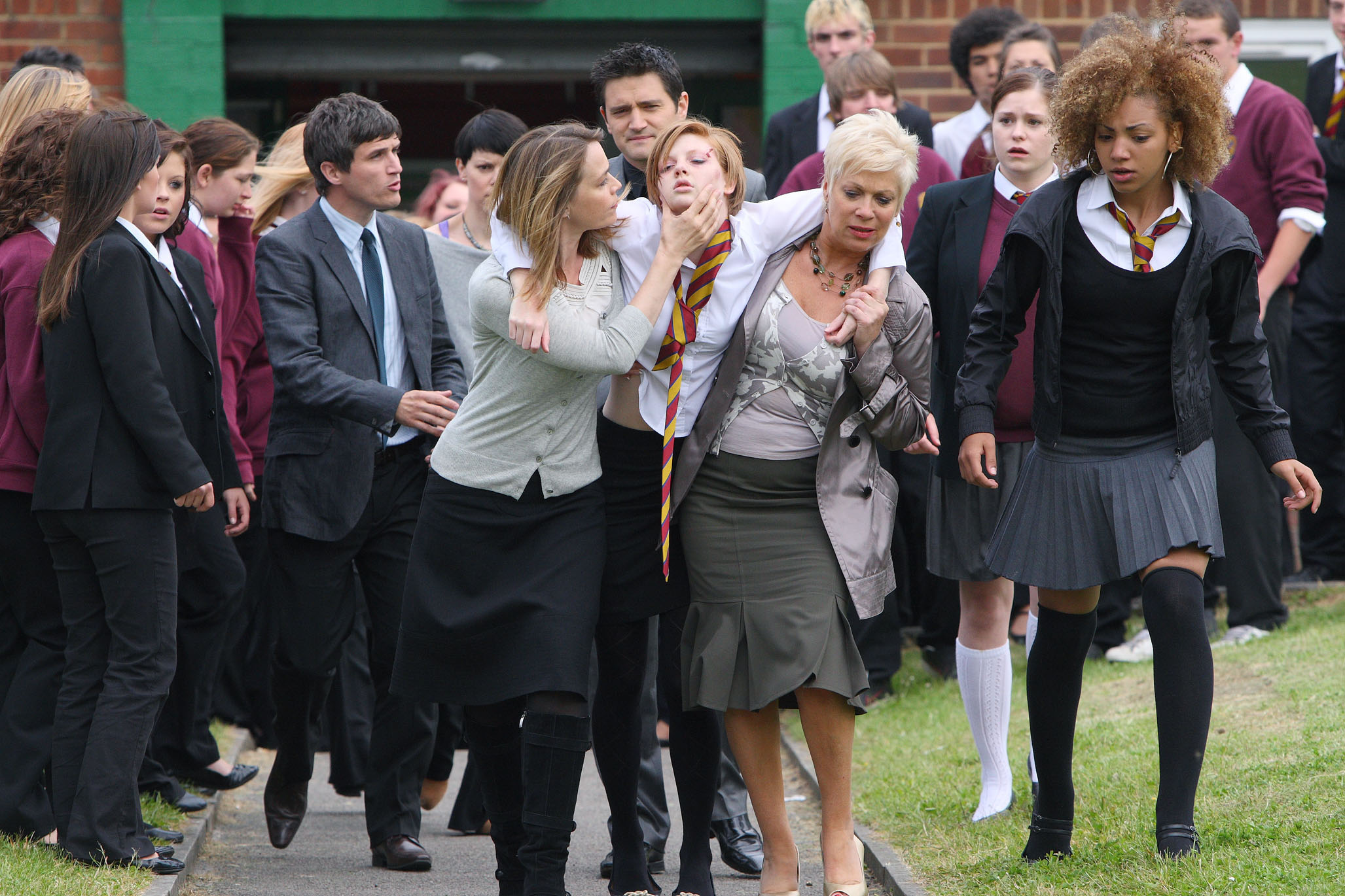 Waterloo Road's Danielle is knocked unconscious!
