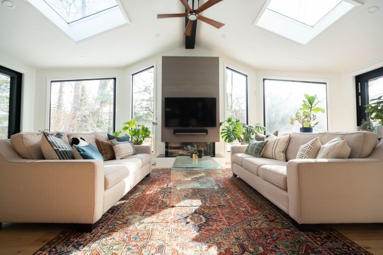Eco cooling - living room with fan and air conditioning
