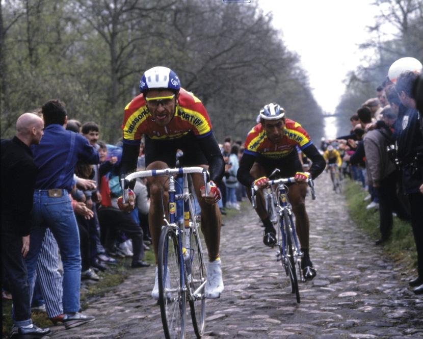 Panasonic lead over the Arenberg cobbles Paris-Roubaix 1990