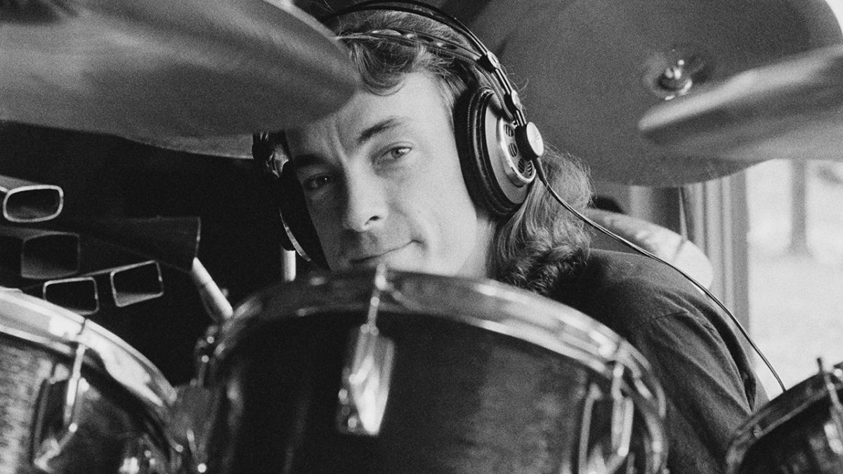 Petition under way to have Rush's Neil Peart honoured at Lakeside Park