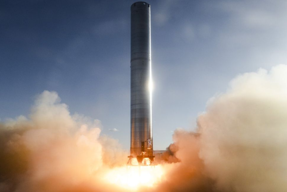 SpaceX test fires massive Super Heavy booster for Starship for 1st time (video)