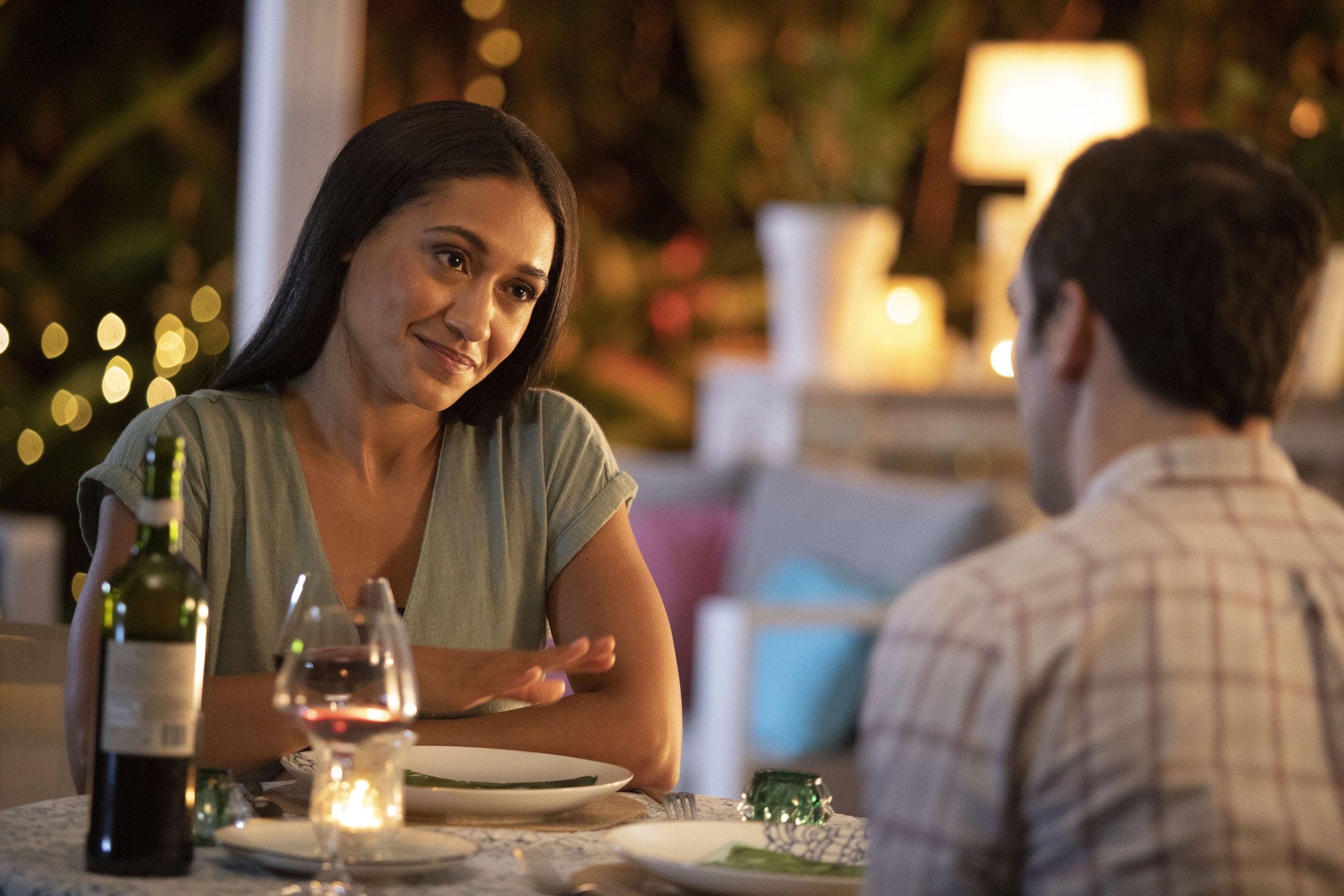 DS Florence Cassell y DI Neville Parker disfrutan de una cena juntos