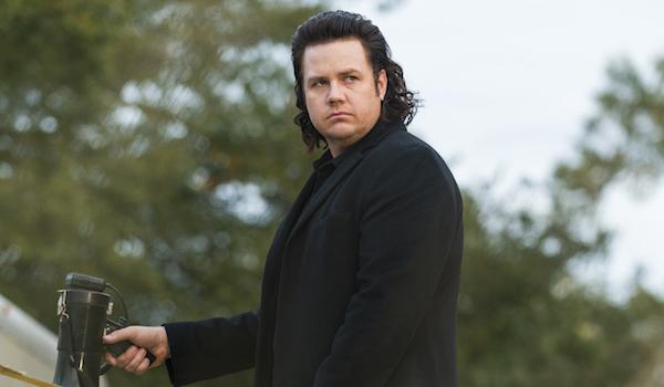 eugene with bullhorn walking dead season 7 finale