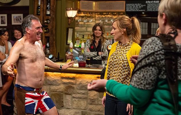 Emmerdale spoilers! Laurel Thomas DUMPS Bob who STRIPS in the pub!