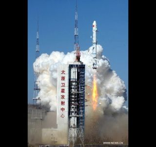 Chinese Long March 2C Rocket Launch, Oct. 29, 2013