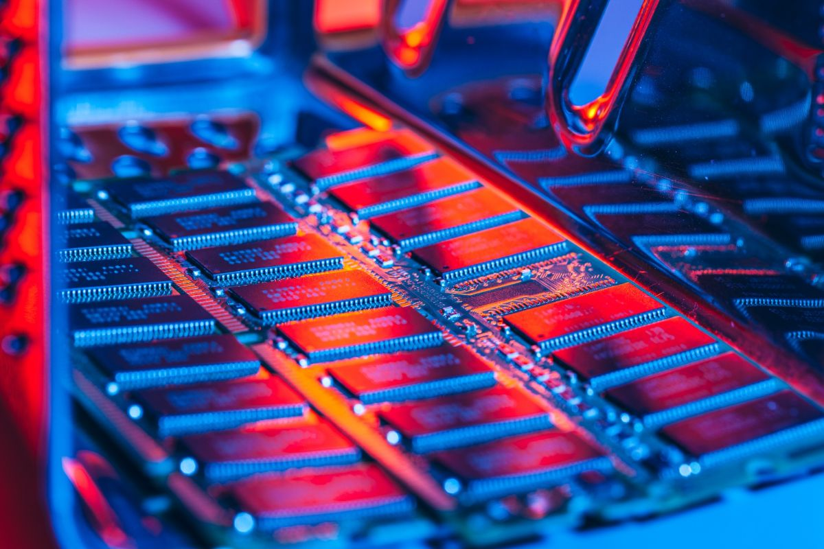 Samsung, SK Hynix, and Micron Accused of Fixing DRAM Prices