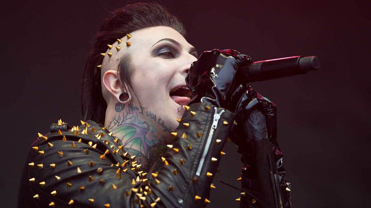 5 Things You Didn't Know About Chris Motionless of ...