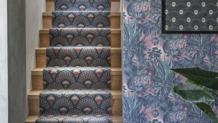 Art Deco inspired staircase runner ideas with fanned design