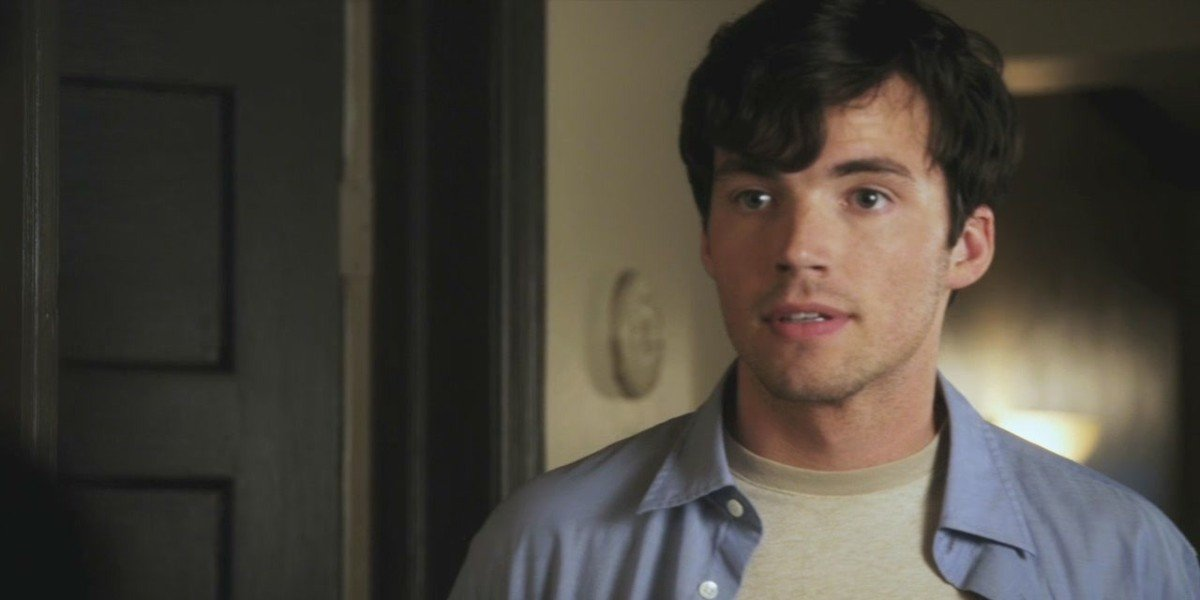 Ian Harding as Ezra Fitz in Pretty Little Liars
