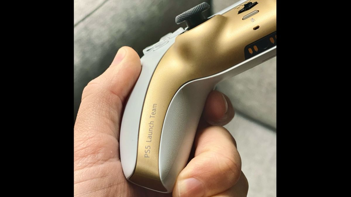 These snazzy gold and white PS5 controllers are only for PlayStation employees