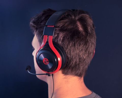 LucidSound LS25 Esports Stereo Gaming Headset Review | Tom's Guide