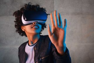 Class Tech Tips: Virtual Reality Without a Headset? Real Classroom Strategies for VR