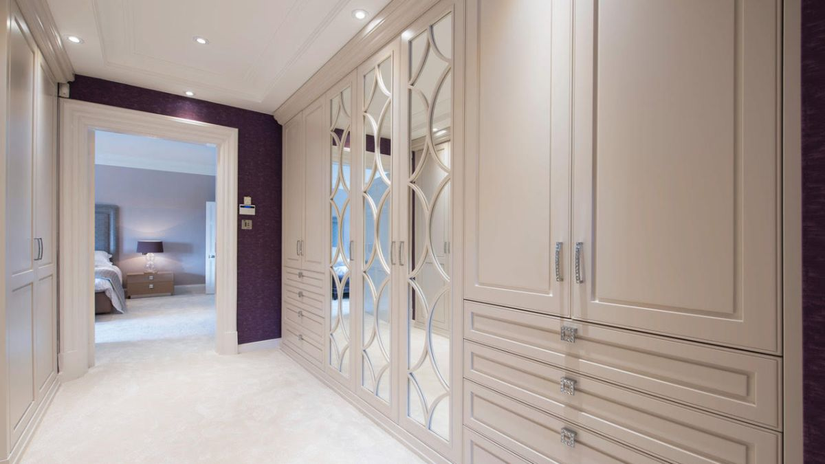 How to create a dressing room real homes - Dressing room designs in the home ...