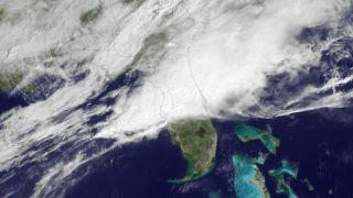 central-florida-severe-storm-110331-02