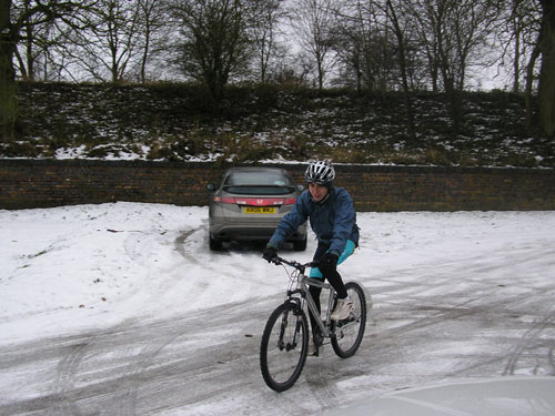Alex Whitmore, Northampton, 2010 snowy cycling photos