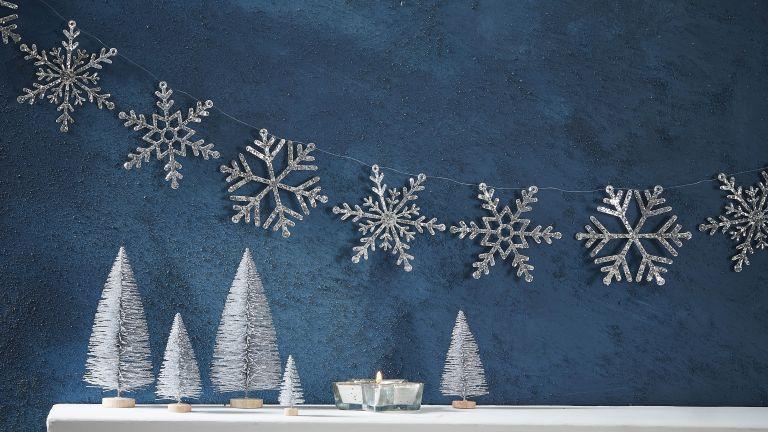 Silver Glitter Snowflake Garland