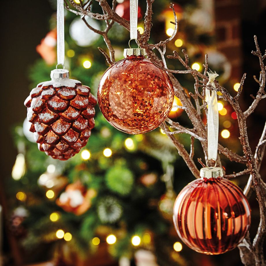 15 Beautiful Christmas Baubles | woman&home