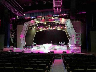 Westgate International Theater in Las Vegas Uses Bose Professional RoomMatch Systems for 'Manilow: Las Vegas, The Hits Come Home!'