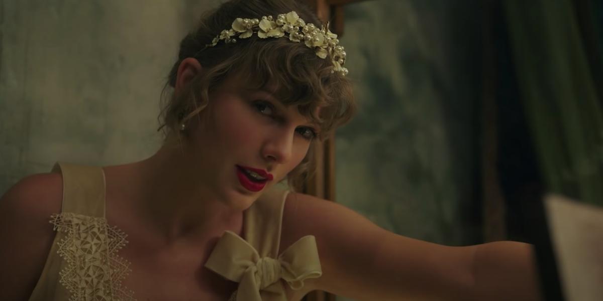 Почему фанаты «Сумерек» живут ради музыкального видео Тейлор Свифт «Уиллоу»