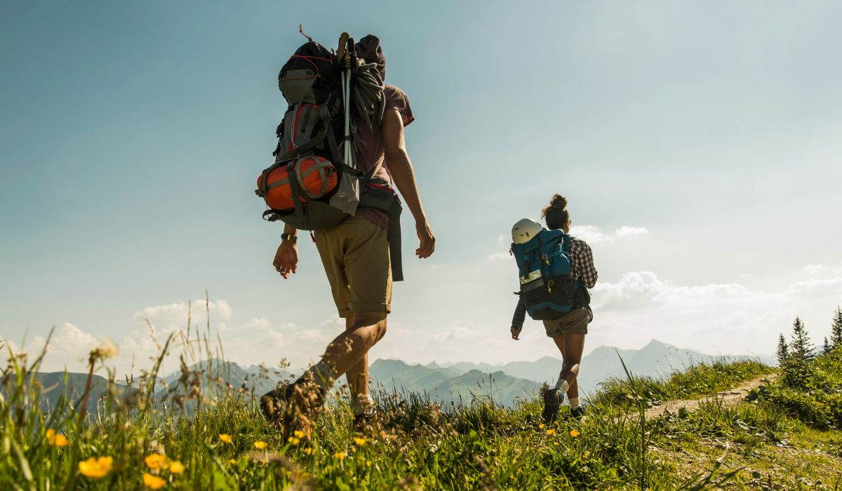 """What is """"rucking"""" and how can it help you get fit and lose weight?"""