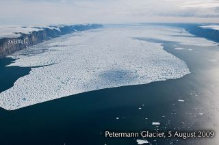 greenland glacier ice berg, greenland glacier collapse, greenland ice island, ice shelf collapse, arctic ice melt, arctic melt season, sea level rise, glaciers and sea level rise, petermann glacier