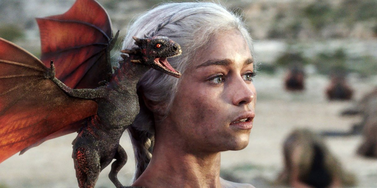 Game of Thrones Season 1 finale Dany and baby Drogon dragon