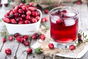 home remedies for a UTI: cranberry