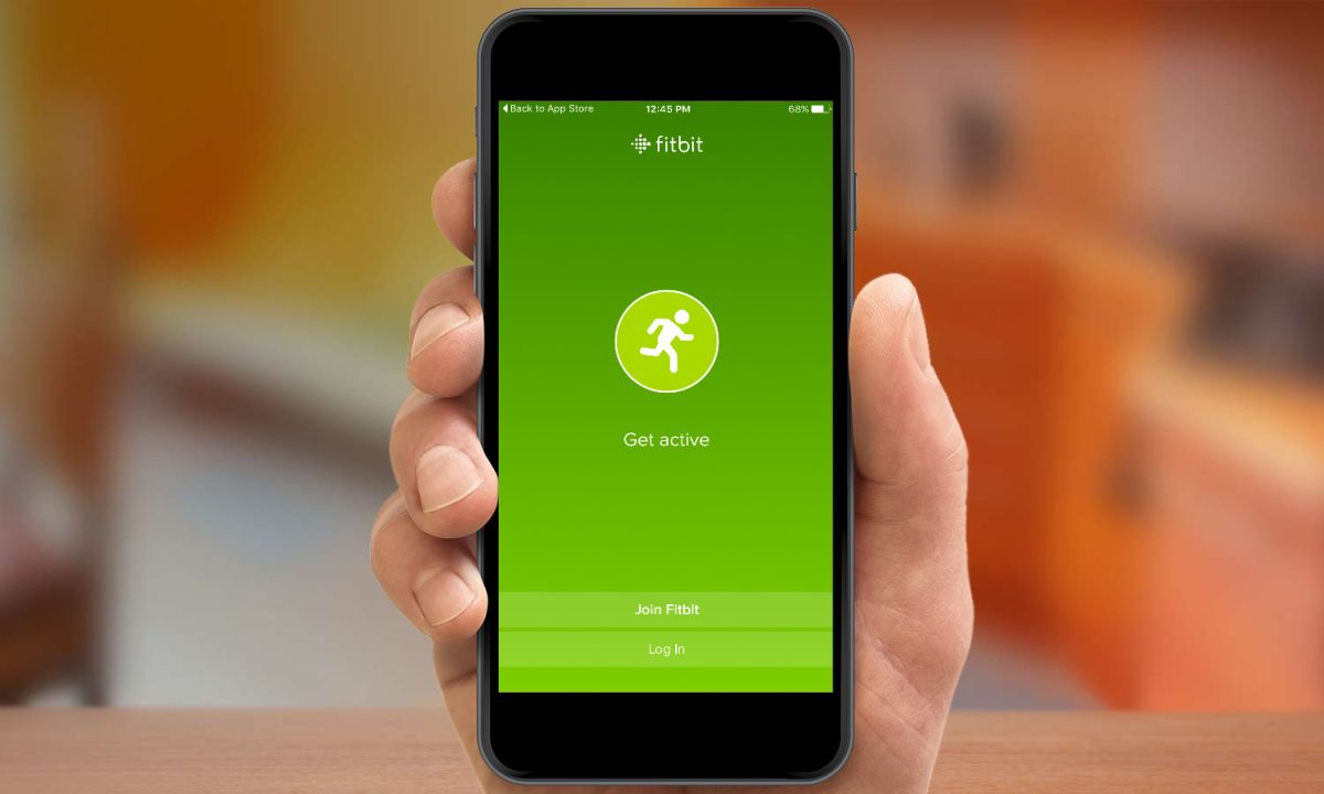 Set Up Your Fitbit on an iPhone - How to Make the Most of