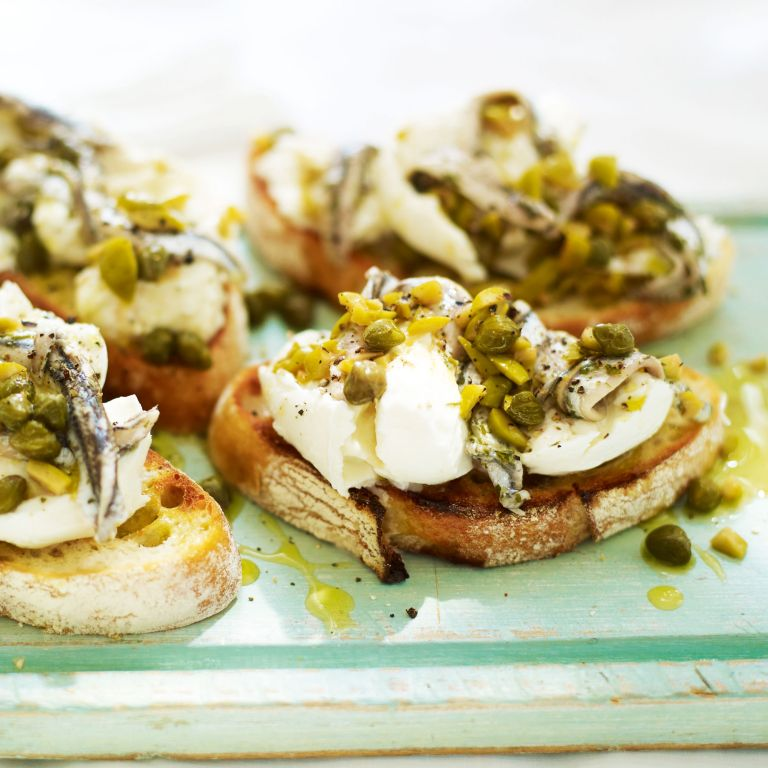 Sourdough Bread with Mozarella, Anchovies and Olives-summer food-woman and home