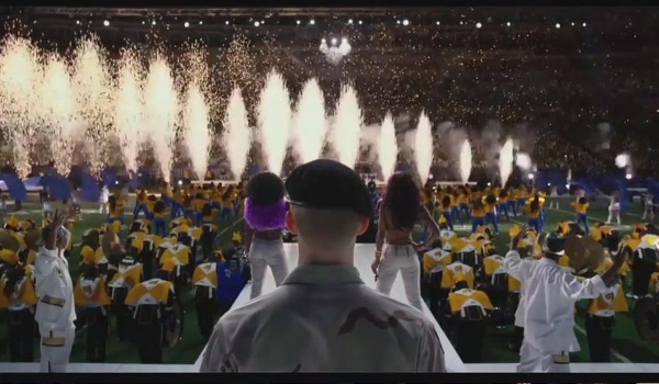 Billy Lynn's Long Halftime Walk Halftime Show