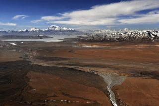Naimona'nyi is the highest peak in the Nalakankar Himal in Tibet.