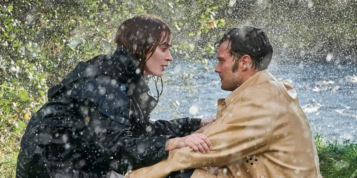 Emily Blunt and Jamie Dornan in Wild Mountain Thyme in the rain