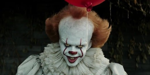 Bill Skarsgard Still Does Well With The Ladies, Even After Pennywise