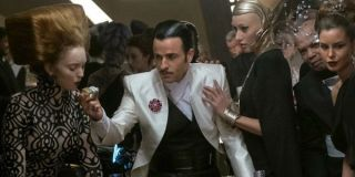 Justin theroux in star wars the last jedi playing dice game