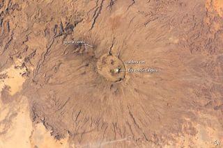 emi-koussi-volcano-chad-110214-02