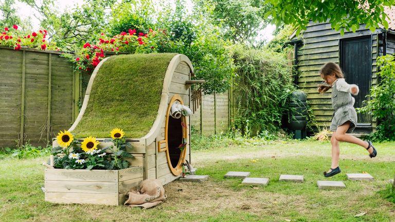 garden play area ideas: nature play house