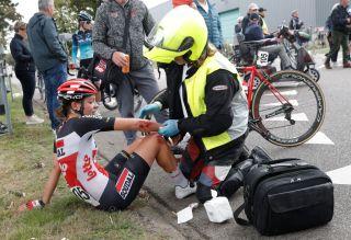 Jesse Vandenbulcke (Lotto Soudal Ladies) was part of a second crash through the final corner of stage 3 at Simac Ladies Tour